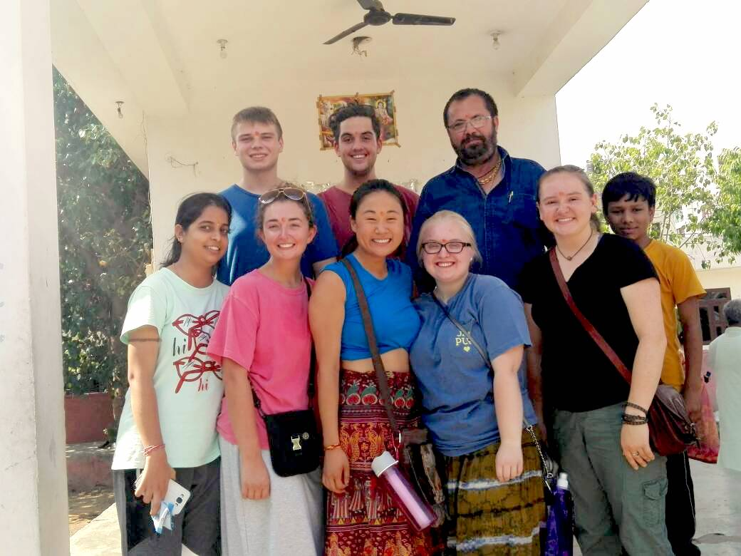 Volunteer India Jaipur Review Austyn Knapp at the teaching and community program
