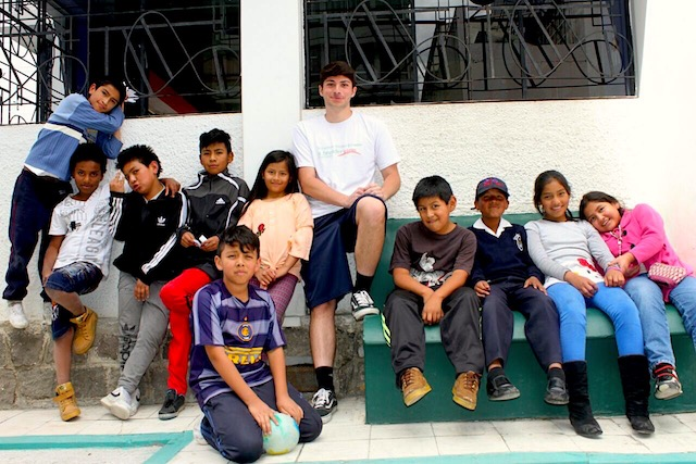 Volunteer Ecuador Quito Review Robert Dumitriu Child Care program