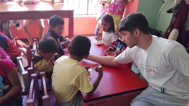 volunteer-ecuador-dimitriu2