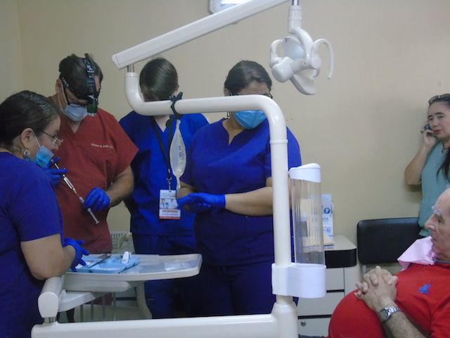 Volunteer Honduras Pre Dental