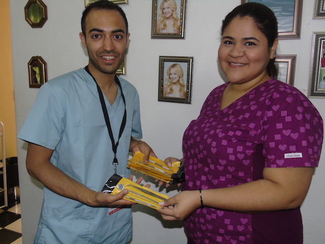 Volunteer-Honduras-denta-donations