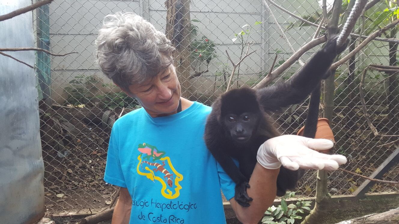 Volunteer Marla Ofstad Volunteering in Costa Rica Escazu Animal Rescue Program